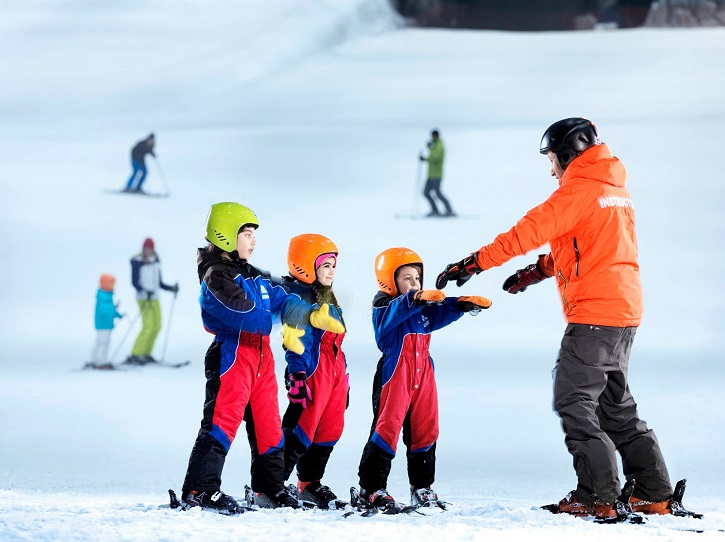 summer-activities-for-active-kids-ski-dubai