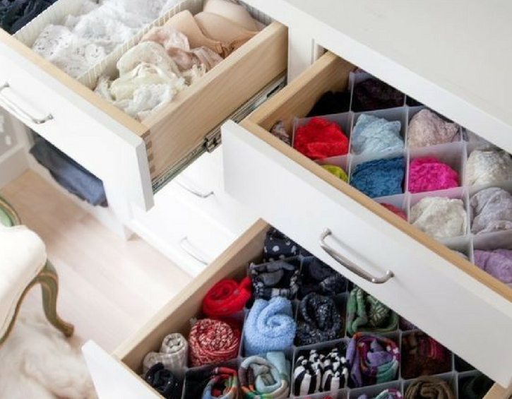 bedroom-organisation-hacks-cloth-separator