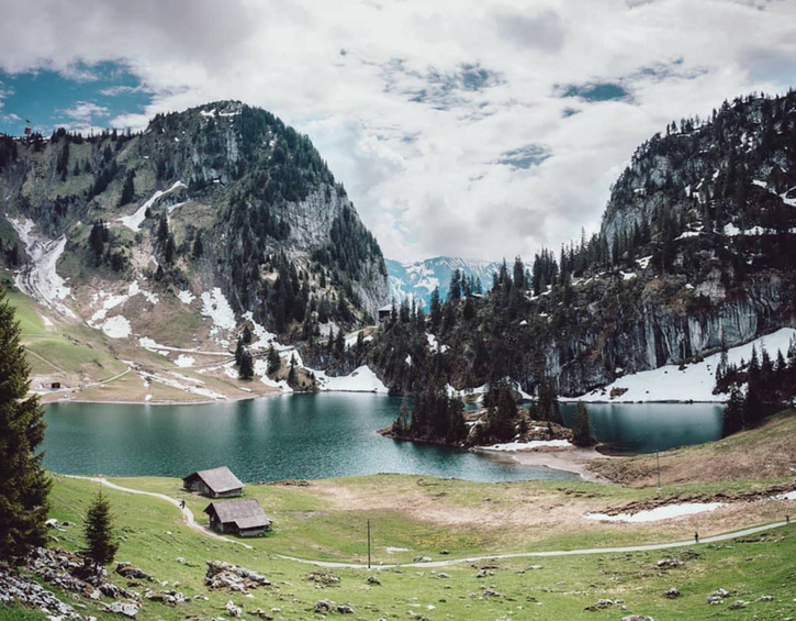 travel-summer-holiday-destination-switzerland